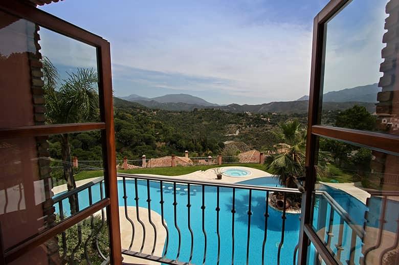 0070 CSB Bedroom 2 Terrace Pichi