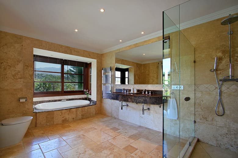 0140 GHF Ensuite Bathroom 4 Pichi