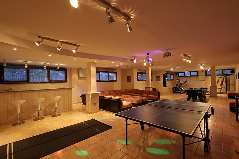 0170 GHF Entertainment Room Pichi